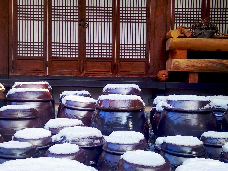 Snowcapped Hanok Village, Jeonju, South Korea Day Hanok Village Korea Korea Photos Korean Traditional Architecture No People Redmi Note 3 Pro RedmiNote3Camera Snowcapped Traditional Culture Xiaomi Xiaomiphotograph Xiaomiphotography