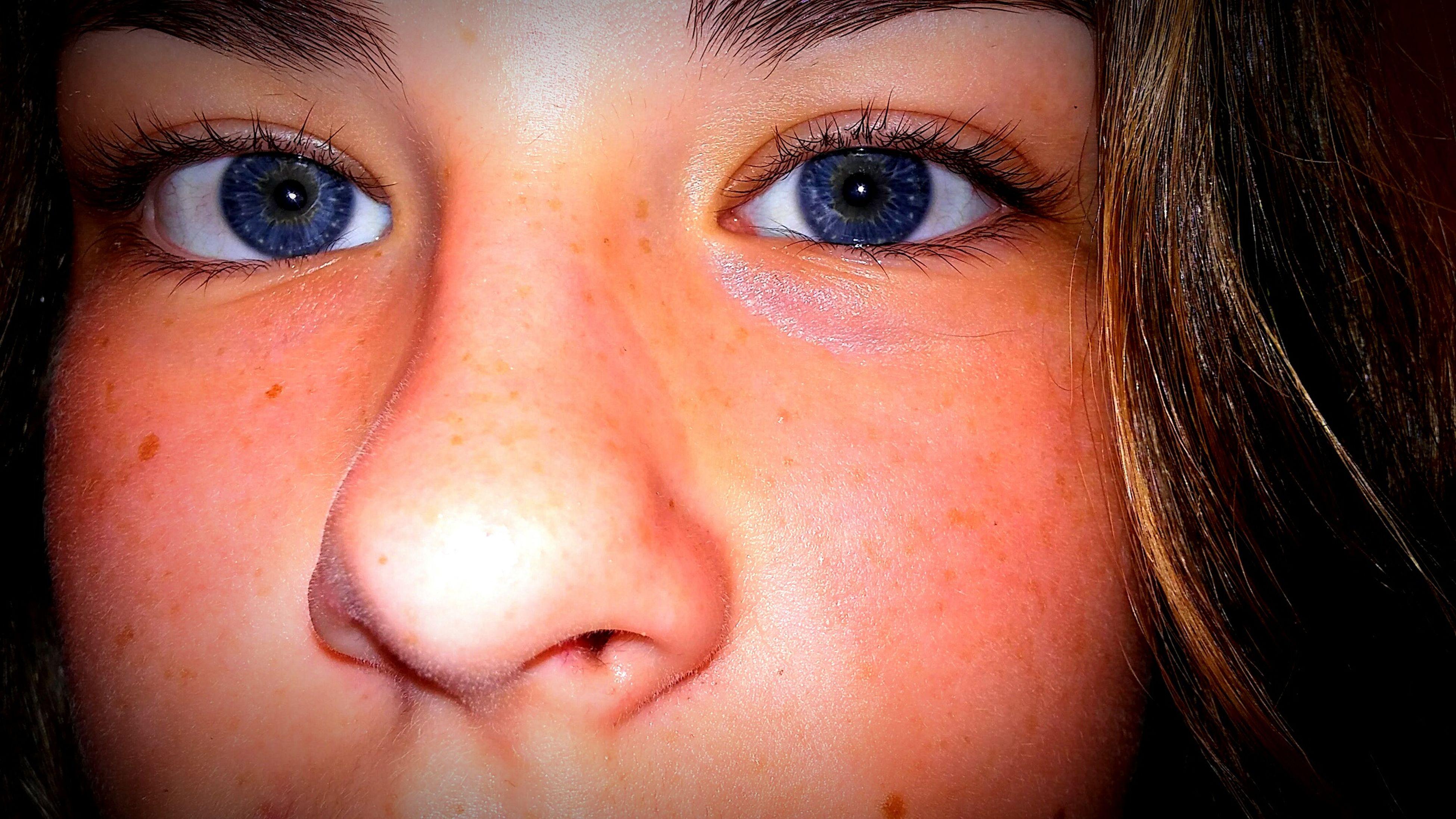 headshot, looking at camera, young women, young adult, close-up, person, full frame, human eye, human face, focus on foreground, make-up, beauty, eyelash, human skin