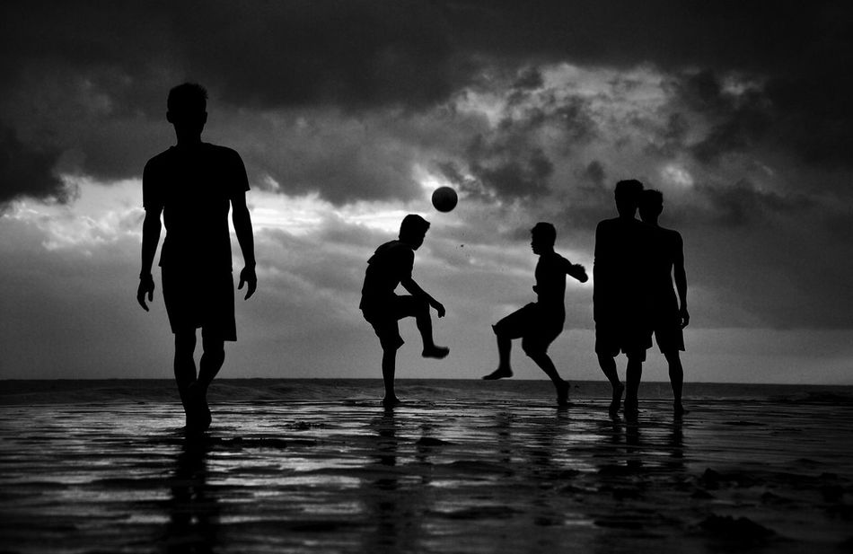 Beautiful stock photos of silhouette, Beach, Bonding, Boys, Cloud - Sky