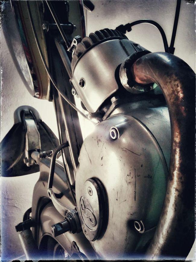 www.feinmechanik-rosenheinm.de Sachs DKW Oldtimers Oldtimer♥ Motor Dkw Motorcycle Mofa Dkw Hummell Oldtimer Or What?! Oldtimer Nsu Motorrad Motorcycle Motor Bike Oldtimer Love First Eyeem Photo Oldthings Restauration Uncompleted Restauration 1970s