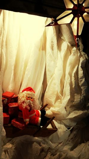 Santaiscoming Christmas Happy Onpaper