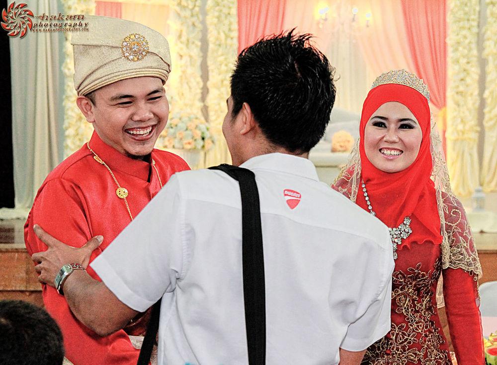 Majlis Perkahwinan Hatta & Sahida Wedding Weddingphotographer Photographer Perkahwinan More pictures at www.facebook.com/hakamphotography