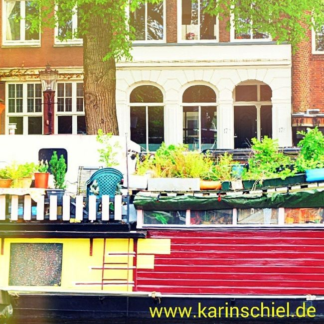 Houseboat ... great Living in the water! Travellingtheworld Wanderlust City Travel Travelinstyle Amsterdam