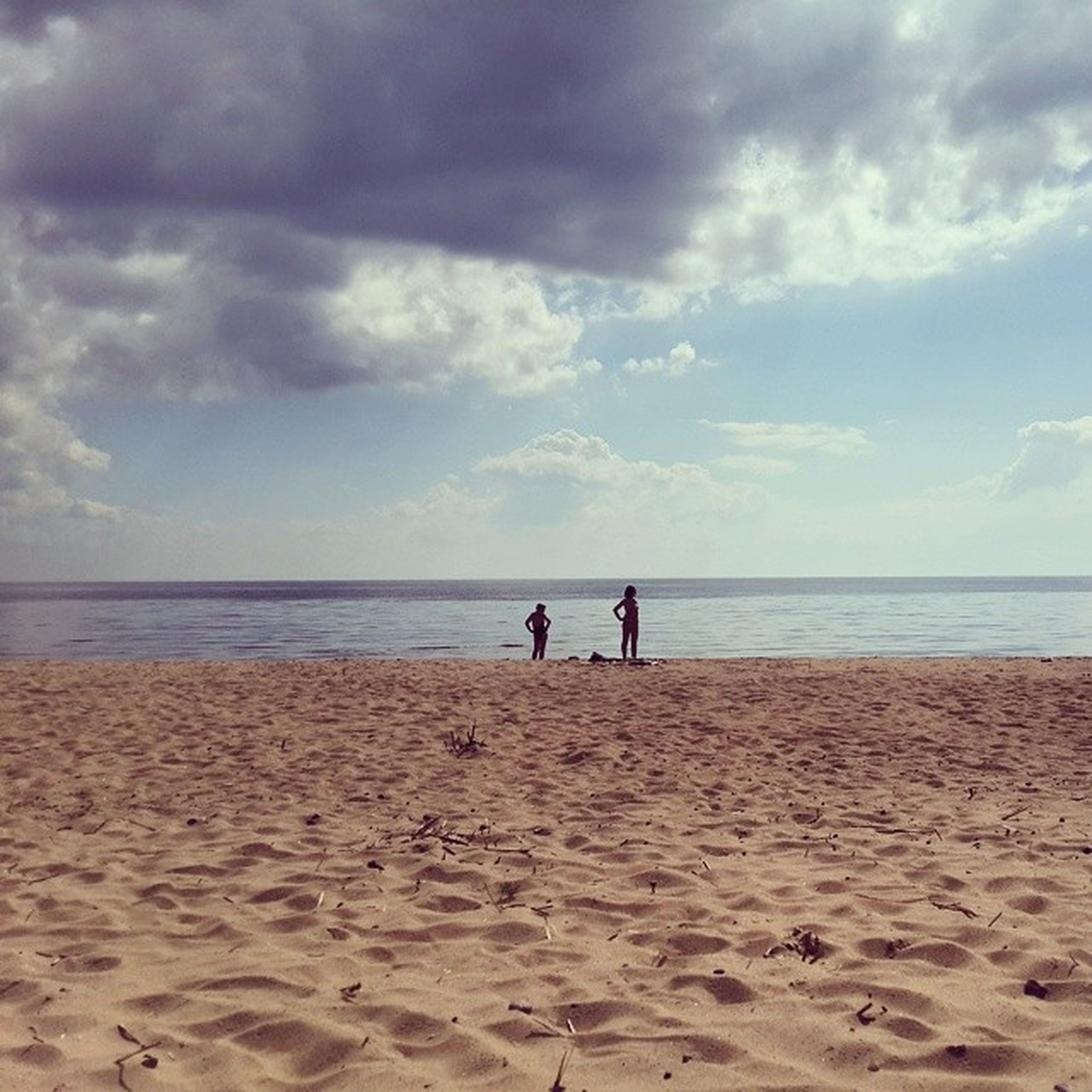 beach, sea, horizon over water, sand, sky, shore, water, tranquility, cloud - sky, tranquil scene, scenics, leisure activity, lifestyles, beauty in nature, vacations, nature, cloud