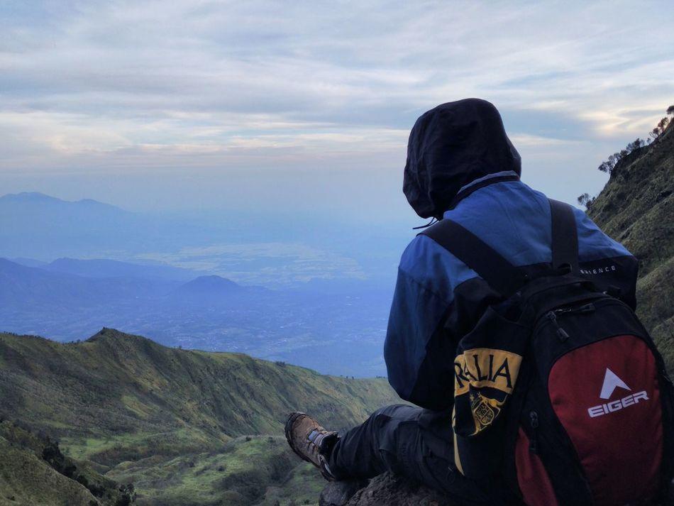 📍Around jawa tengah Jawatengah Gunungmerbabu Mainsebentar Pendakiindonesia Pendakigunung Mainkegunung Gunungindonesia