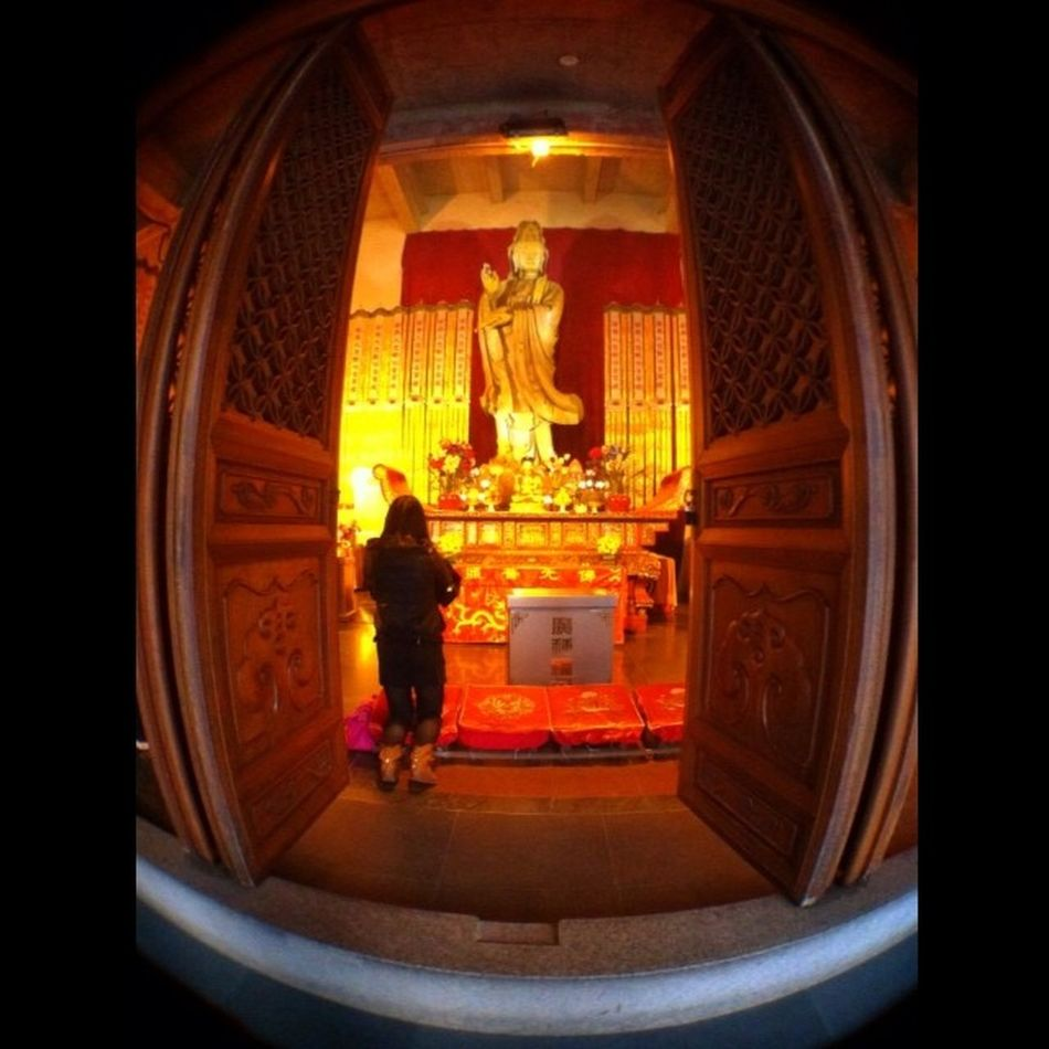 Pray to the God Pray Shanghai Jingantemple Temple China Dewikuanin Iphonesia Fisheye Silent Instanature Igers Ig Instapeople
