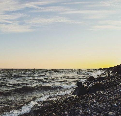 Moin! 😊 | Good morning! Vitt Rügen Fischer Fischerdorf Home Wirsindinsel Morgen Früh Sunset Sunrise Sonnenaufgang Mv_liebe Mvliebe Cloud Cloudporn Balticsea Baltic Marebalticum Sea Ostsee Wasser Water Team_photunique