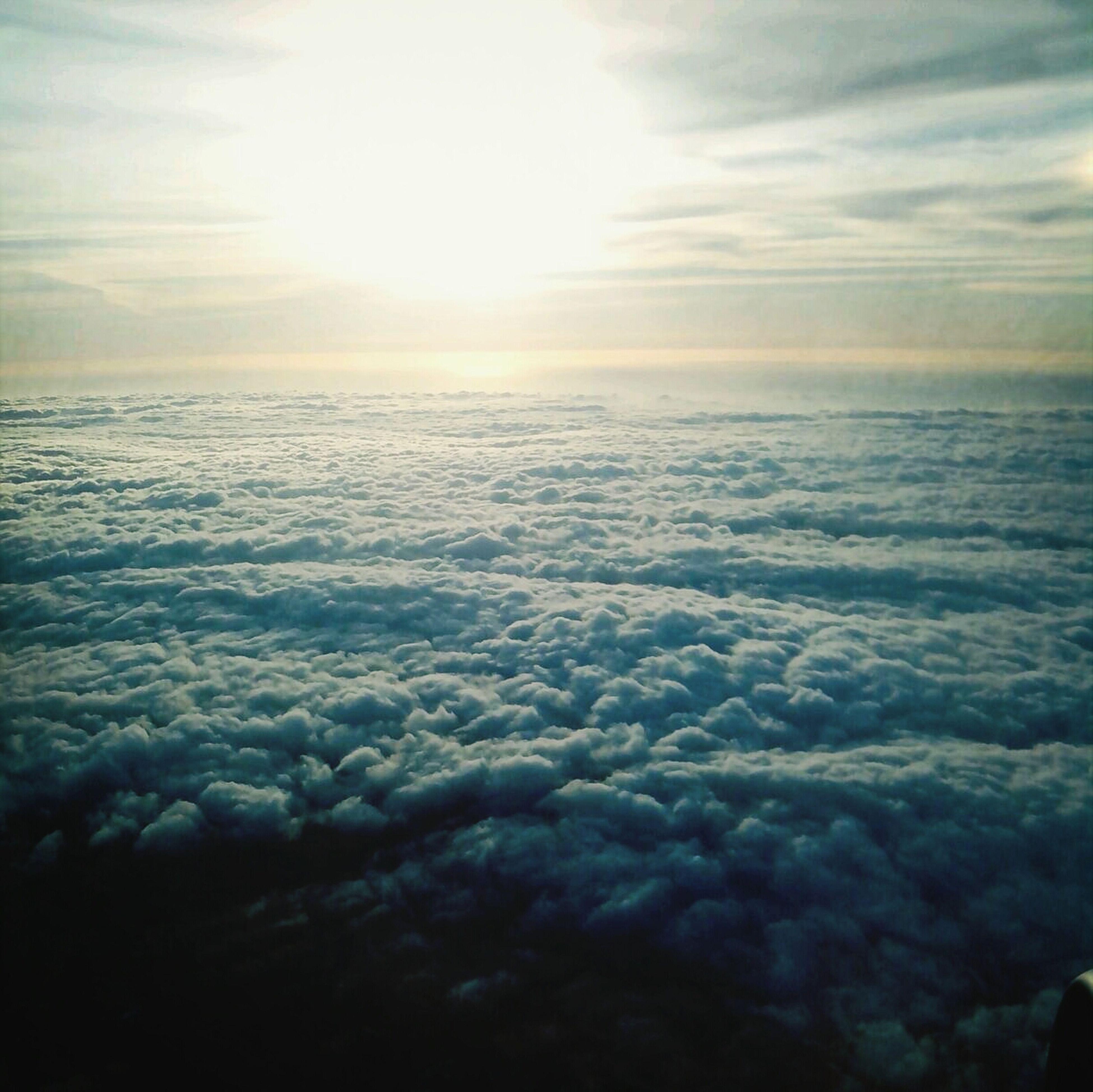 scenics, beauty in nature, tranquil scene, tranquility, sky, sun, sea, nature, sunset, cloud - sky, water, sunbeam, sunlight, idyllic, horizon over water, weather, winter, outdoors, cloud, cold temperature
