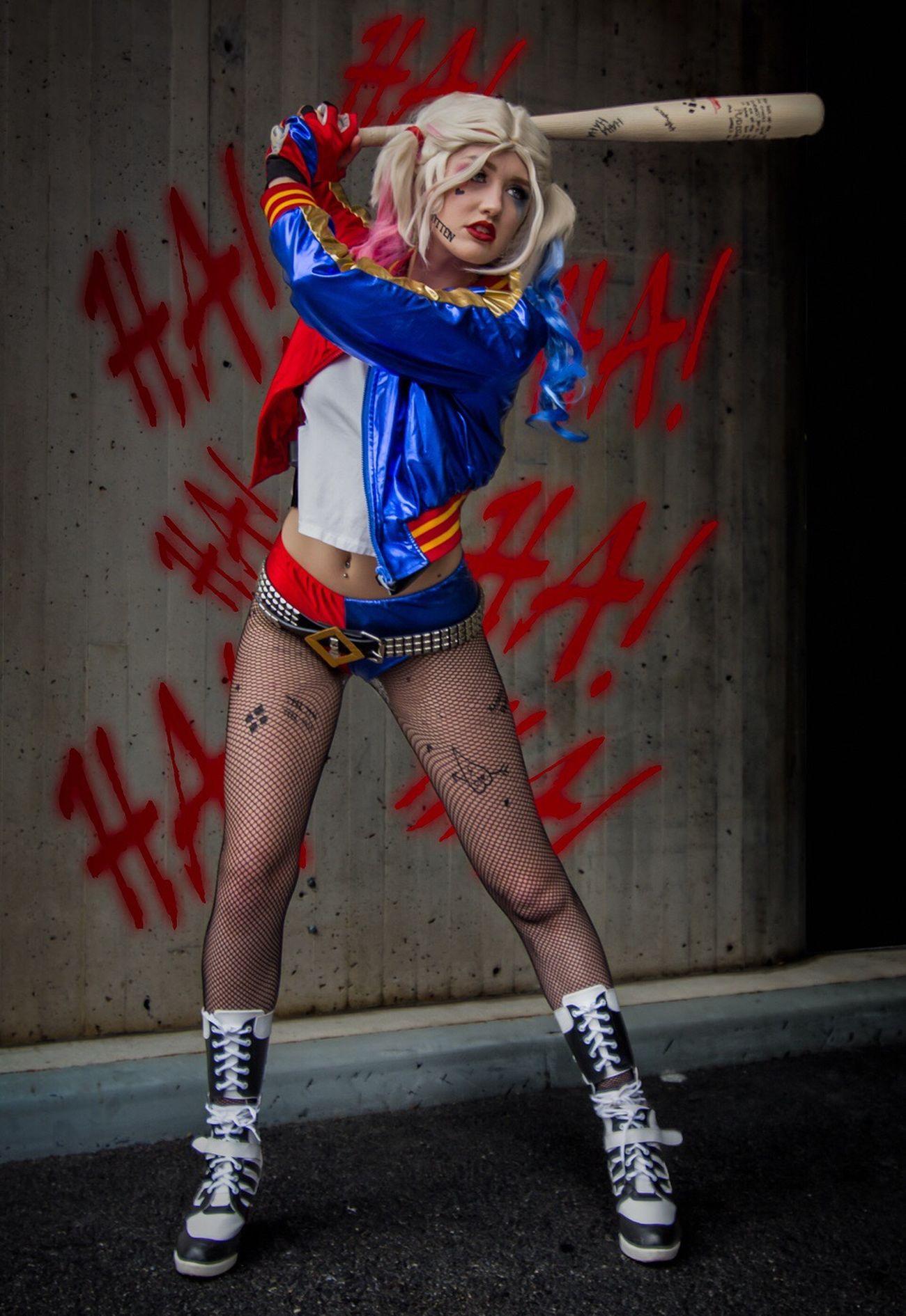 Harley Quinn Suicide Squad Harleyquinn Cosplayer Nycc2016 NYCC Cosplay Sexygirl Batman Suicide Squad Fishnetstockings Legs SexyGirl.♥ LongLegs