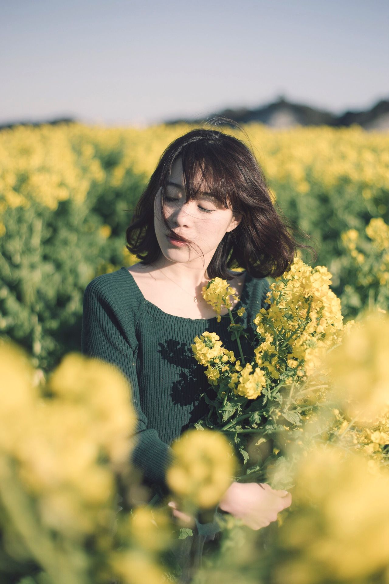 Flower Field Beauty Agriculture Adult Lifestyles Plant Only Women Nature One Person One Woman Only Yellow Portrait Beauty In Nature Japan Nature Women Adults Only Outdoors People Freshness Human Hand Human Body Part