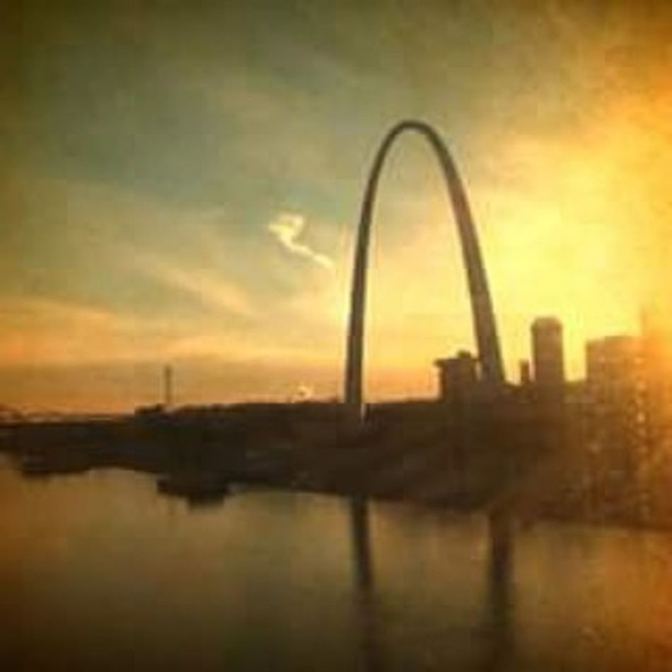 Stlouisarch Stlouis Stl Mississippiriver Missouri Sunset Skyline Skyporn Clouds Cloudporn Arch Stlouisgram Water Photoedit Photo Like4like Likeforlike Followforfollow Reflection