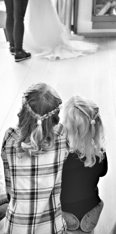 Kim Veldman Black & White Photography Togetherness Black And White Portrait Curly Hair Close-up Kids Portrait Kids Being Kids Kids Are Awesome Kidsportrait Kids Looking At The Bride Kids Watching