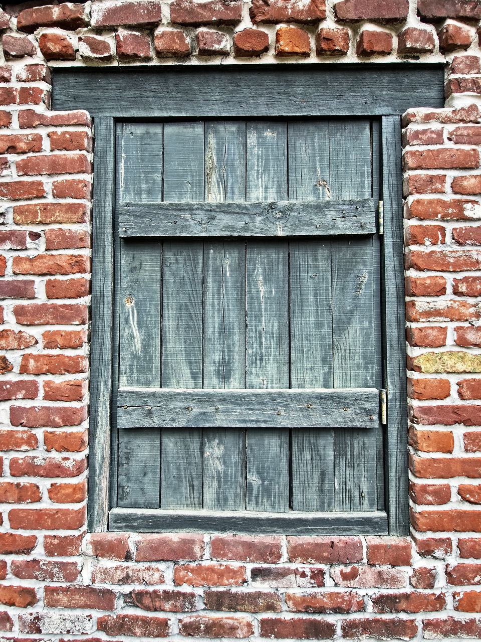 architecture, built structure, building exterior, brick wall, window, outdoors, day, no people, weathered, full frame, close-up