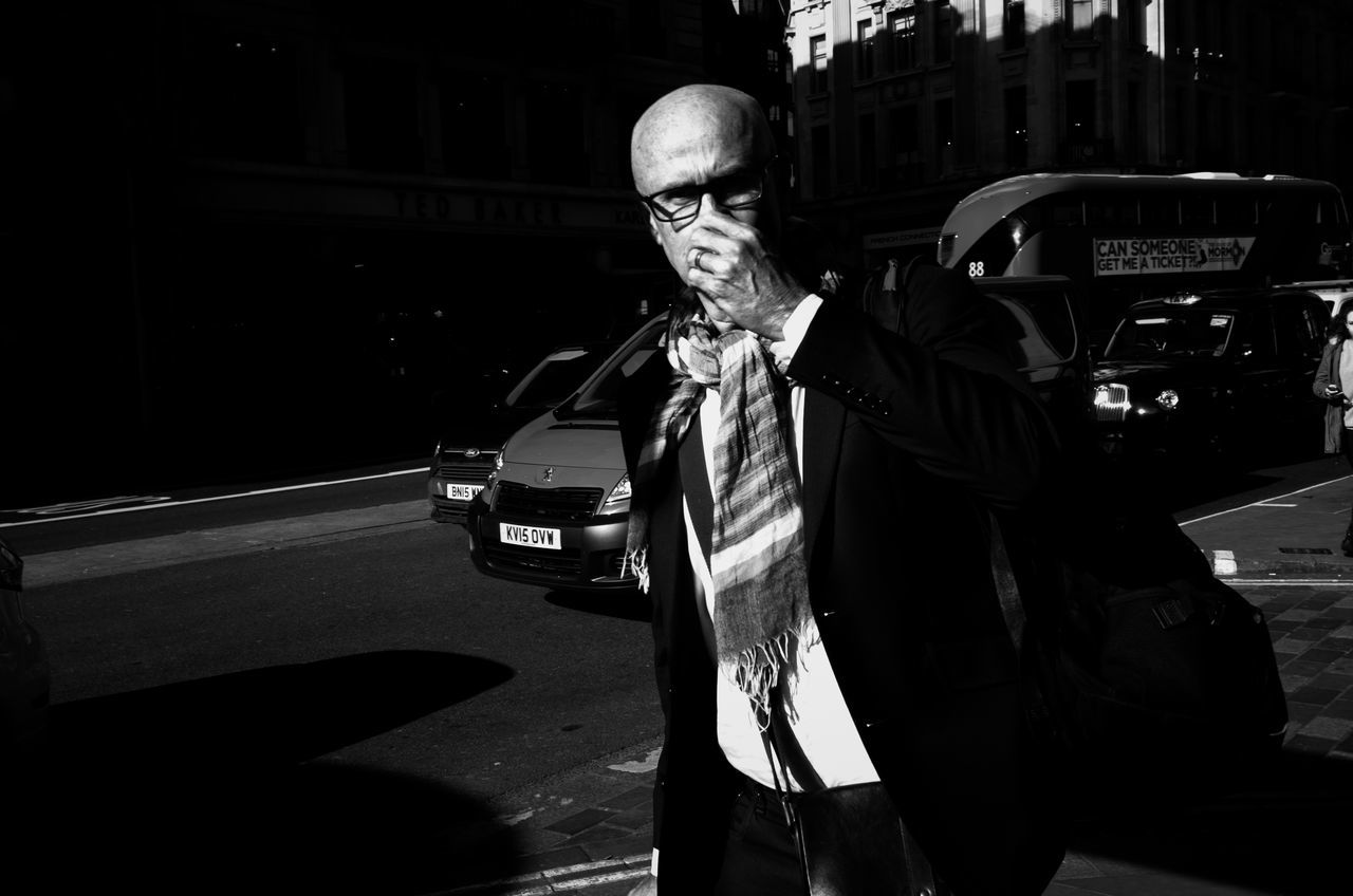 Smell And the City. City Life Street Photography Leica Xvario Streetphotography Street London Rawstreets Maxgor.com Peope Photooftheday Streetphotography Colors Streetphotography_color Lifestyles Oxford Street  Monochrome Photography