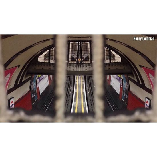 """Blurred Lines & Tunnel Vision"" London London_only Londonpop London_only_members Udog_edit Ig_europe Ig_europe_london Udog_peopleandplaces Icu_britain Streetshot_london The_photographers_emporium Streetshot_london 16x9 16x9vision Big_shotz Lom_uwls 16x9photography Edit_specialist 16x9etiquette Londonunderground TransportForLondon"