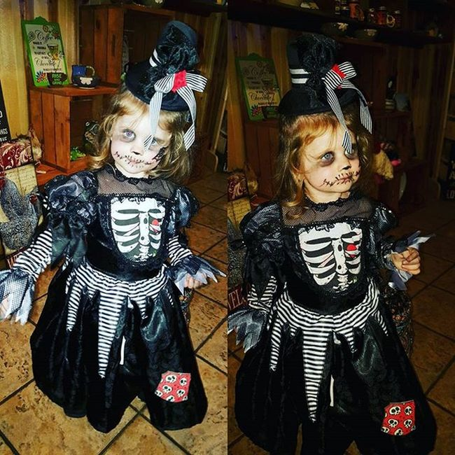 Trick or treating at Brother's with Carla and Shelby <3