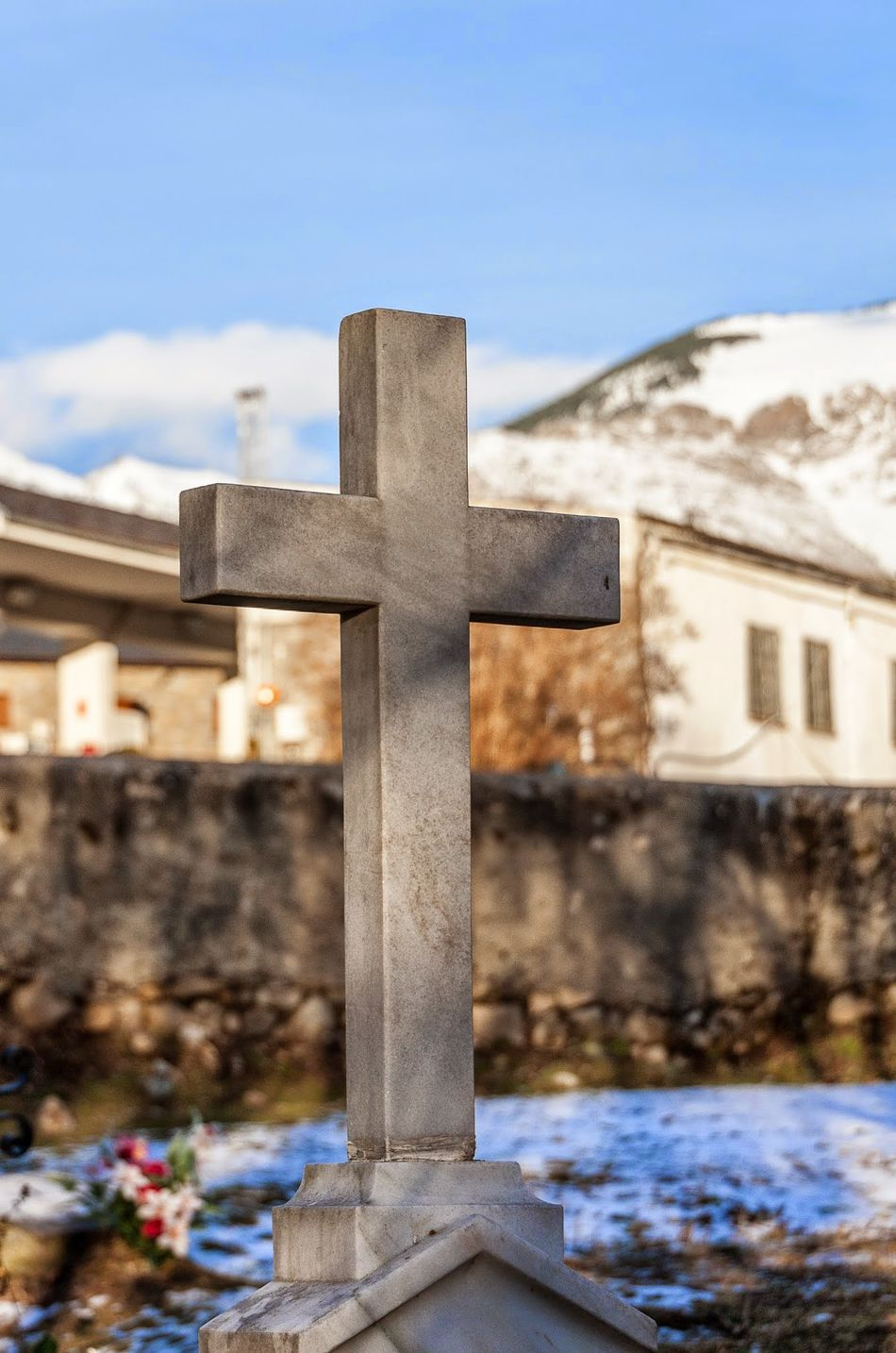 Beautiful stock photos of tombstone, Built Structure, Cemetery, Cross, Day