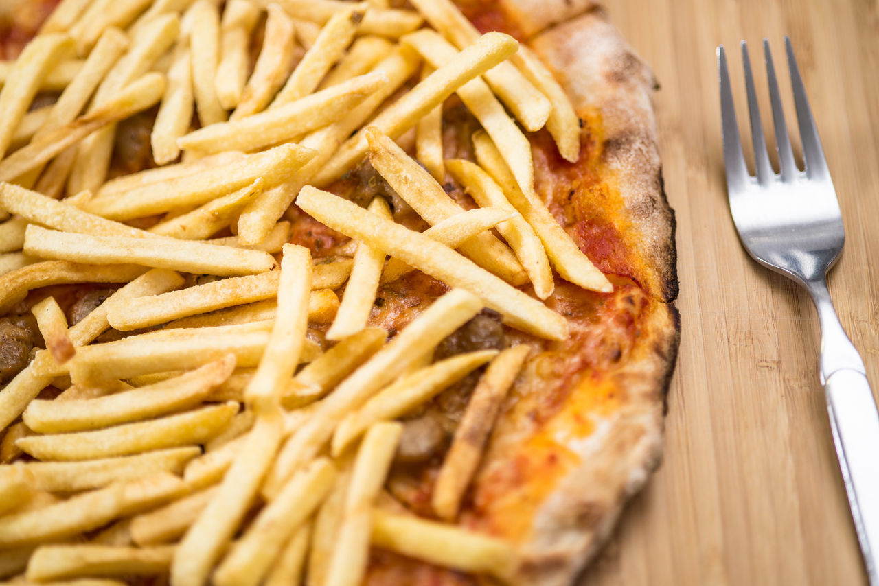 Close-up Day Food Food And Drink Fork Freshness Fries Indoors  Junk Junk Food No People Pizza Pizza And Fries Plate Ready-to-eat Table Unhealthy Unhealthy Eating
