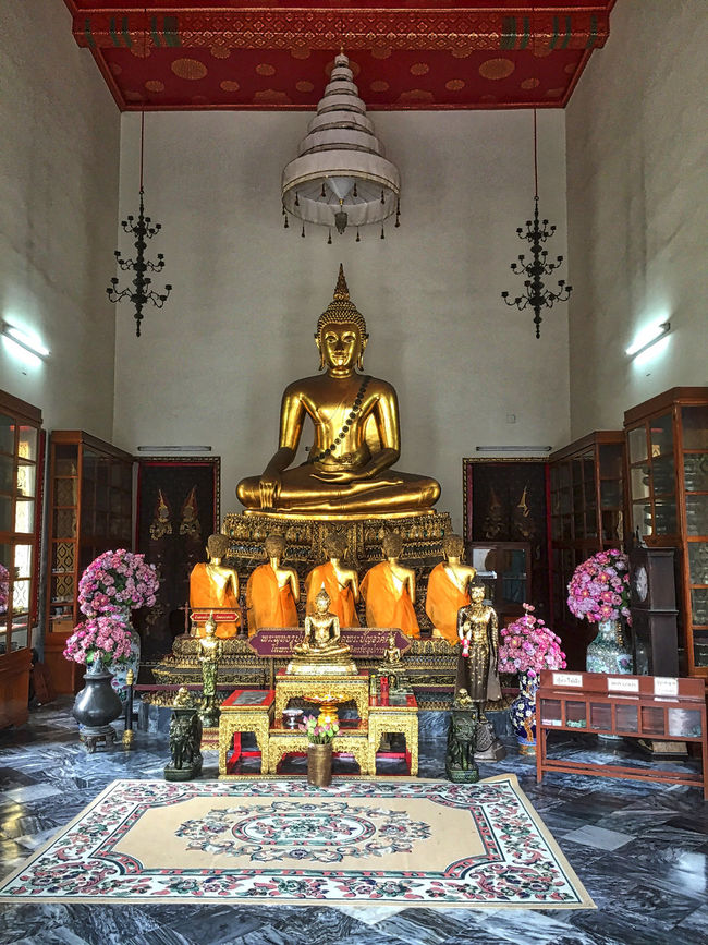 Buddha Building Exterior Culture Group Of Objects Illuminated Religion Sculpture Spirituality Statue Temple - Building