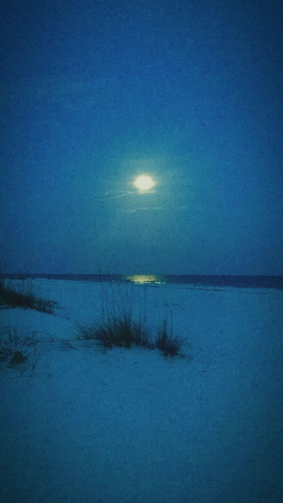 Calmness Blue Bluenight Sand Moonlight Full Moon Moon Beachatnight Exploring Nature Scenery Outdoors Beautiful Beautiful Nature Pensacola Beach Beach Water🐚🌌🌊🐬🐠