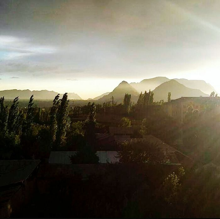 Sunset Sun Mountain Landscape Photooftheday My Beauty In Nature Photography VSCO Vscoturkey Vscorussia Vscokg Day Nature Centralasia Vscocam Photography In Motion Dağlar ❄⛄🌁 Osh Ош Architecture Cityscape Sis кыргызстан Kırgızistan
