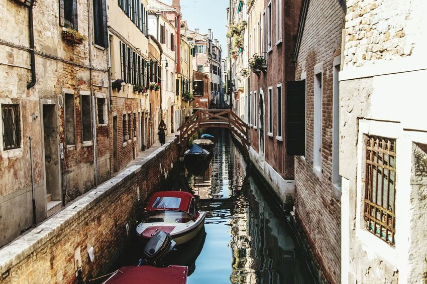 Architecture Canal Built Structure Building Exterior Nautical Vessel Outdoors City Gondola - Traditional Boat EyeEm Selects Photographer EOS Canon Canonphotography Eye4photography  Canonitalia Eyeemphoto First Eyeem Photo EyeEm Venice Venice Italy Streetphotography Streetphoto_color Streetphotographer Travel Destination Traveling Photography