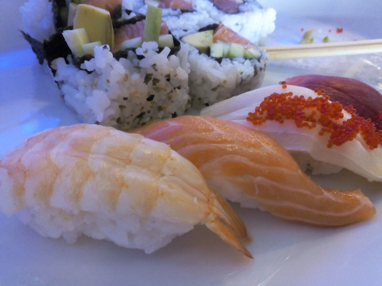 seafood, food, food and drink, freshness, sushi, healthy eating, plate, japanese food, rice - food staple, ready-to-eat, serving size, fish, indoors, no people, salmon, close-up, day