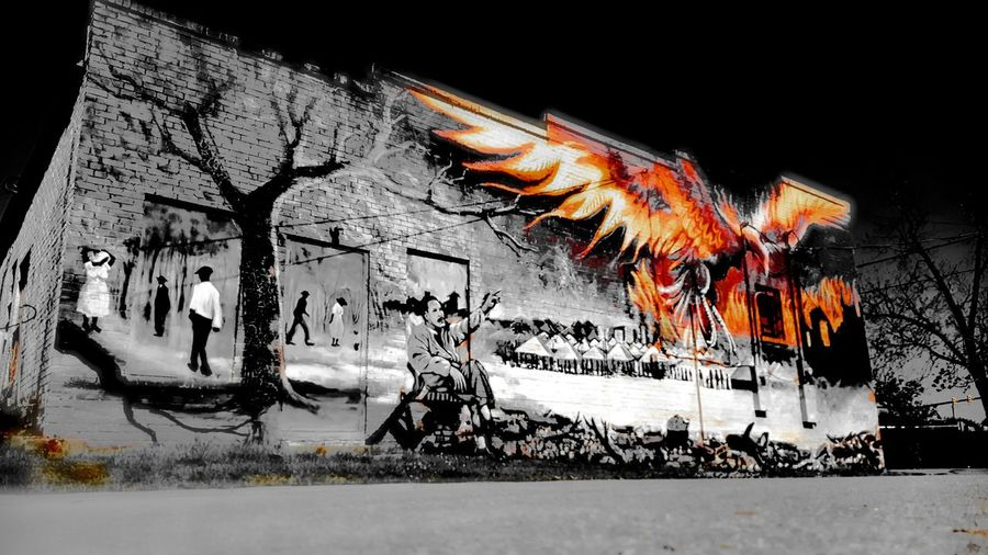MLK and soaring Phoenix. PhotographybyTripp Smartphone Photography Phoneography Samsung Galaxy Note 5 Urbanphotography Urban Art Mural Art Wall Art Check This Out Splash Of Color Unique Beauty Unique Style MLK Memorial Soaring Phoenix Fresh On Eyeem