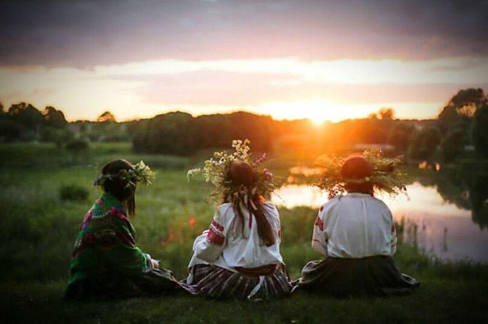 Belarus Traditions Night Of Kupala Shadows Leaves U When Sun Run Away