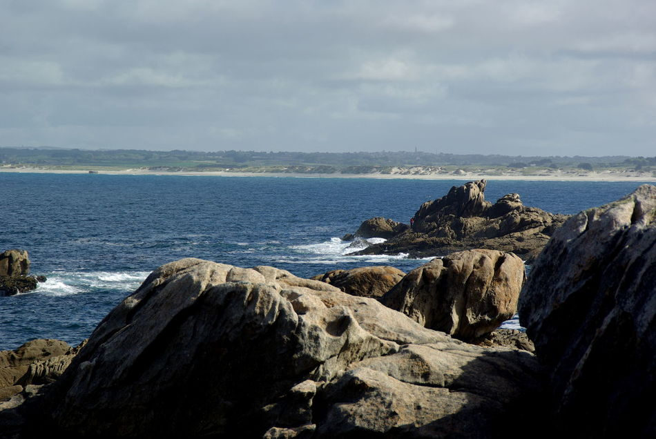 Beach Beauty In Nature Bretagne Bretagnetourisme Day Fast Water Horizon Over Water Nature No People Outdoors Rock - Object Rock And Sea Rock Formation Scenics Sea Sea And Sky Sea Life Seascape Sky Travel Destinations Water Waves Waves And Rocks Waves Crashing Waves, Ocean, Nature