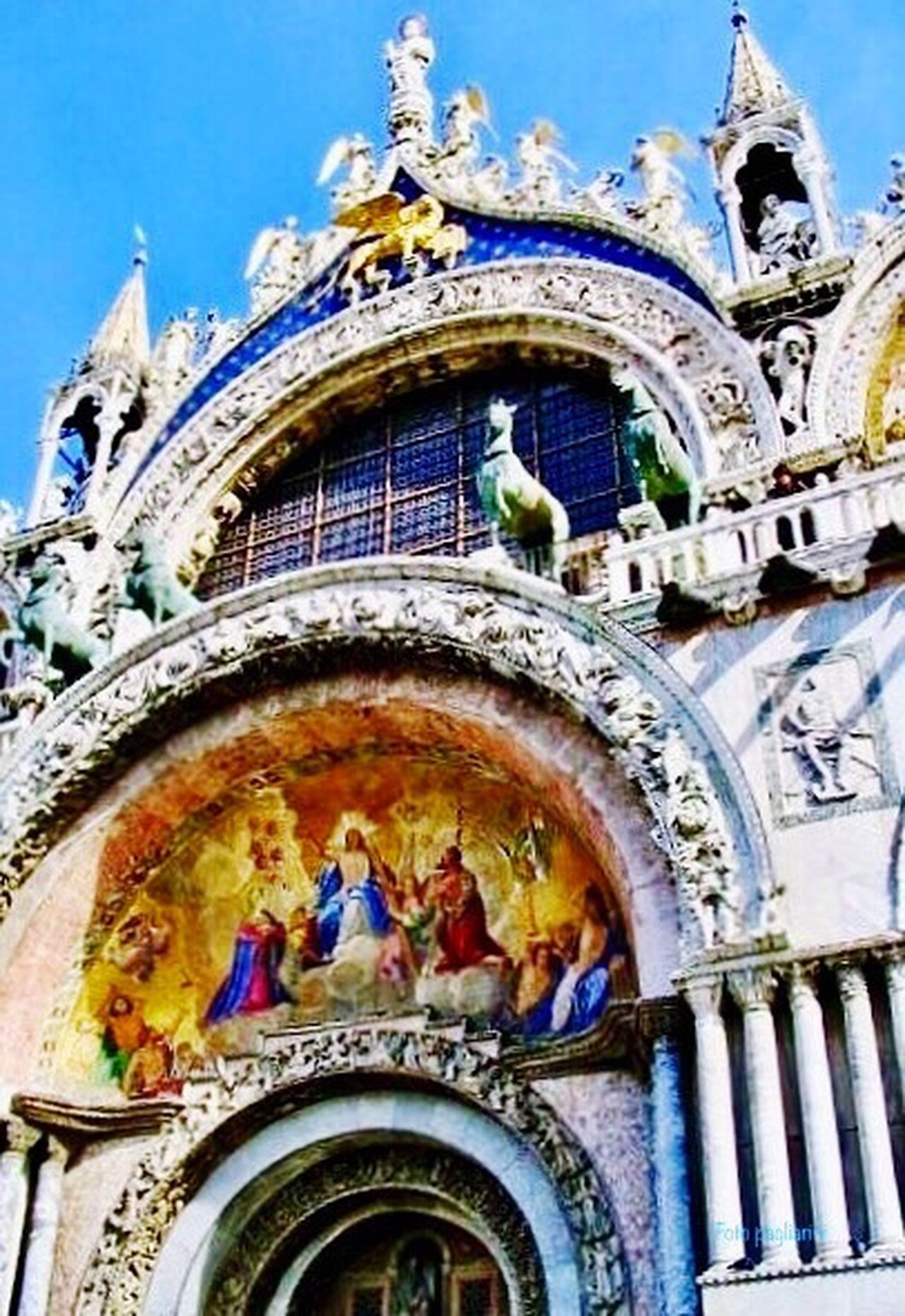 Bella Italya Dogenpalast Architecture Travel Destinations Building Exterior Travel Statue Venice, City In The Sea 🎨 Venice, Italy Bella Italia Eyemphotography EyeEm Best Shots Eye4photography  EyeEm Gallery City Life Architecture Transportation Bella Venice  Bella Italia