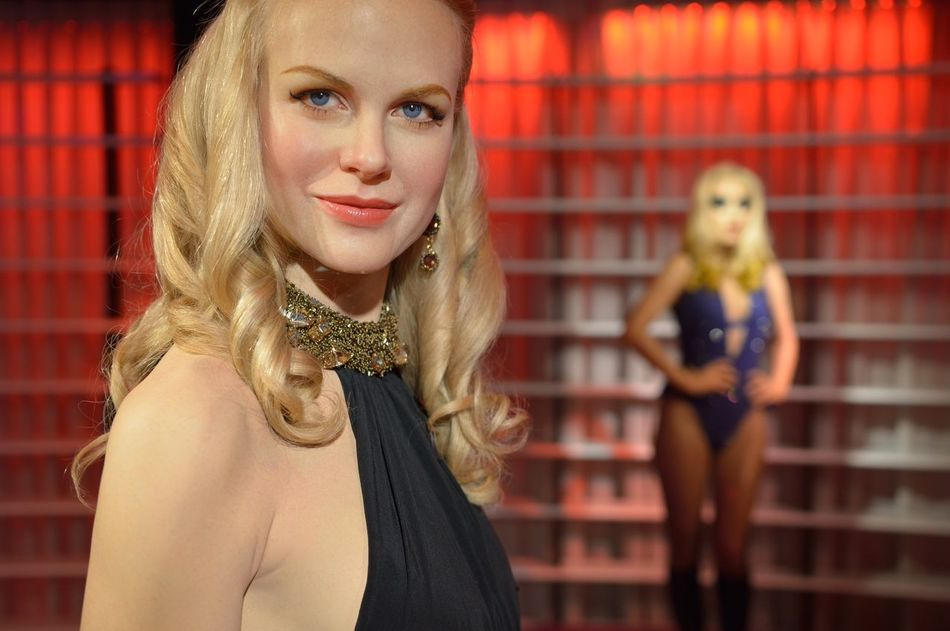 Nicole Kidman Casual Clothing Confidence  Fashion Front View Happiness Head And Shoulders Lifestyles Long Hair Looking At Camera Madame Tussauds Person Perspective Portrait Real People Serious Smiling Wax Dolls Wax Museum Young Adult Young Women