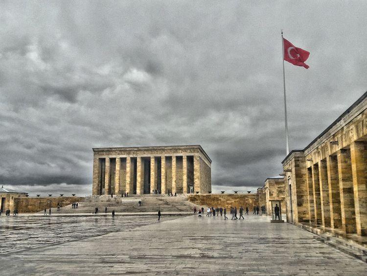 Atamızı ziyaret. Sevgi ve saygıyla anıyoruz Ankara/turkey Ankara Türkiye Ankara Atatürk Anitkabir Eyemphotography EyeEm Gallery Eyem Turkey Building Historical Building History That's Me