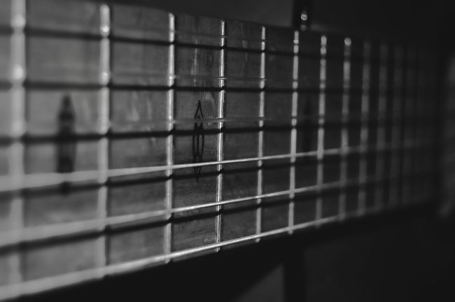 Blackandwhite Taking Photos B&w Black&white Qhristho Fotografo Check This Out Cuerdas Guitar