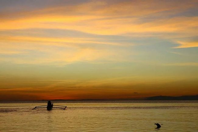 Sunset makes me calm. Relaxing Enjoying The Sun Swimming