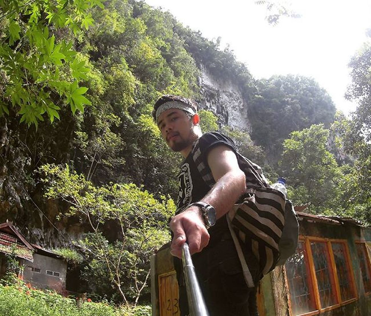 Traveling INDONESIA Couchsurfing Trip Adventure Paradaise Roadtrip Jalan2man Jalanjalan Visitindonesia Explore Waterfall Cave Makassar Maros  Sulawesi Freedome  Play Main