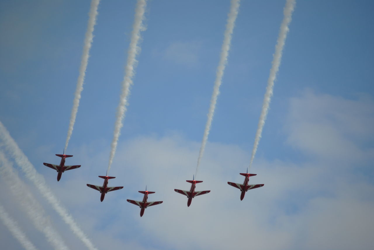 red arrows Jets Planes In The Sky Planes, Trains And Automobiles Planes Overhead AirPlane ✈ Aircraft Airshow Red Arrows Air Display