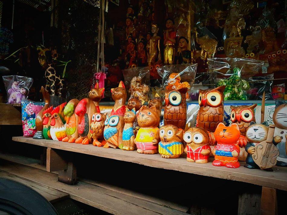 Variation Multi Colored Store Market For Sale Gift Samsung S7 Samsungphotography Sunlight Travel Destinations Colors Orange Color Owl Thailand Floating Market Dumnoen Saduak Wood Art Wood - Material