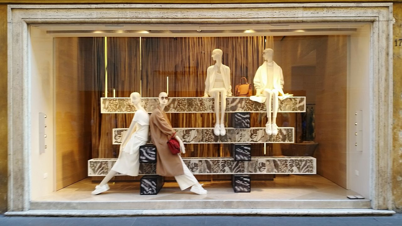 Break The Mold Mannequin Window Case Rome Italy Fashion Photography Summer Via Condotti Beautifully Organized Sunglasses Pants Dresses Dress Code Italian Style Spring Summer Collection Tourist Attraction  Cased Moda Italia Fashion One Person Adult People Adults Only Full Length Human Body Part