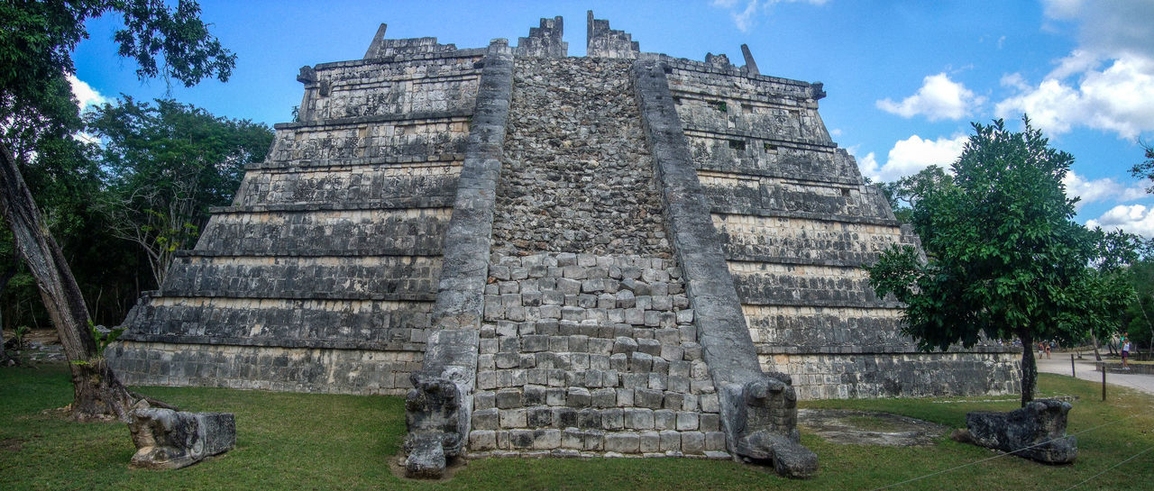 Ancient Civilization Archaeological Sites Archaeology Archeology Chichen Itza History Mayan Mayan Ruins Mayan Wonders Old Ruin Pyramid Staircase Steps Stone Stone Material The Osario The Past Yucatan Mexico Yucatan Peninsula Yúcatan