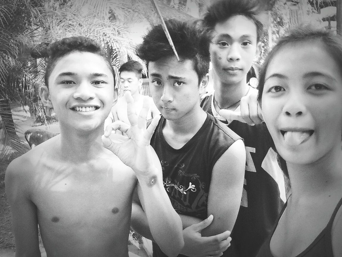 With the main squad 👨👨👨👩