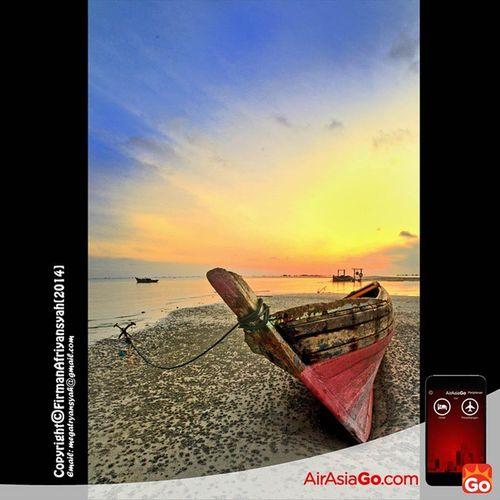@AirAsiaGoID Sebuah sampan nelayan di Desa Malang Rapat Kabupaten Bintan, transportasi keseharian masyarakat nelayan di desa tersebut GohAPPySun GohAPPyholiday AAGOID Iphonesia @irwansyahst @milarahma @aniyudhoyono Wonderfullkepri Wonderfulindonesia IndonesiaOnly Indonesia_photography Ig_nesia Photooftheday Thephotosociety SeaScapePhotography Indonesianaturephotography Inap Traditional