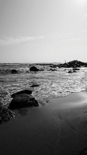 Beach Outdoors Horizon Over Water Beauty In Nature No People Kauai Life Beach Photogrqphy Beach Walk Beauty In Nature Shorelines Oceans Serenity And Nature Blackandwhite Photography