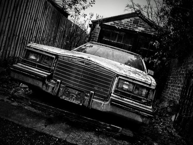 No People Car Land Vehicle Transportation Architecture Built Structure Day Outdoors Wreck Abadoned Abandoned Car Defunct
