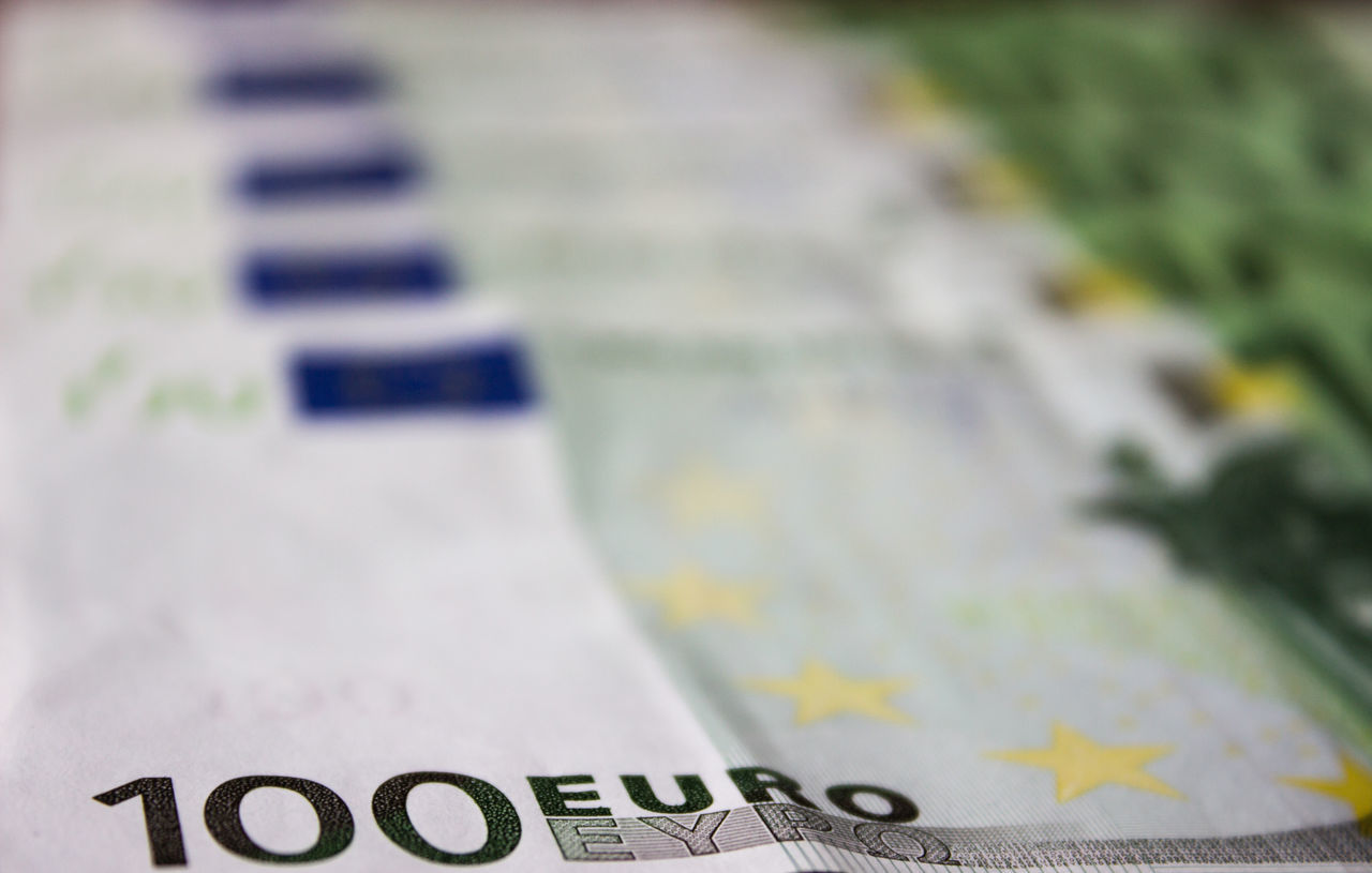 100 Euro Currency Detail Euro European Union Focus On Foreground Geld Geldscheine Money Selective Focus Still Life Währung