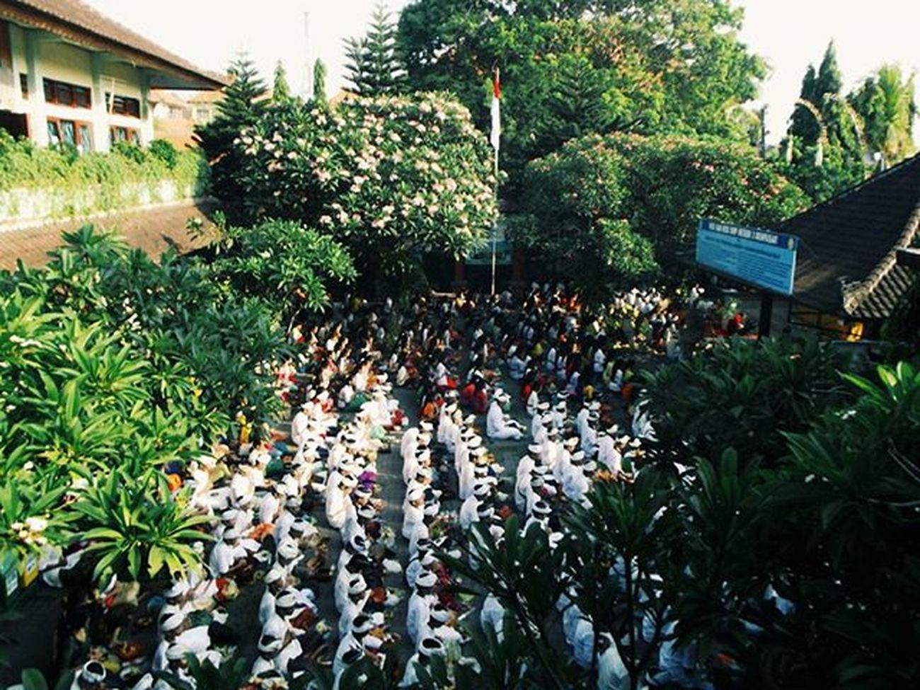 Rahajeng rahina Saraswati 👍🎍🎋 Spentri
