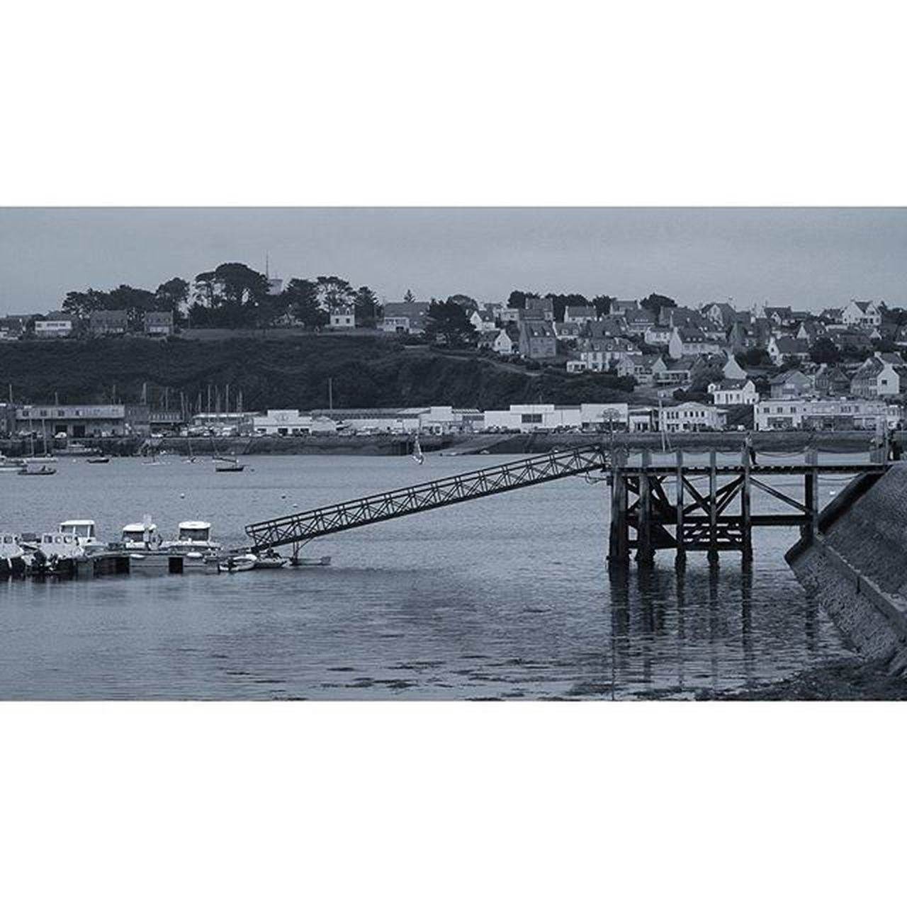 Camaret-sur-mer Camaretsurmer Port Bretagnetourisme Bretagne noiretblanc finistere igersbretagne igersfinistere grainedenature