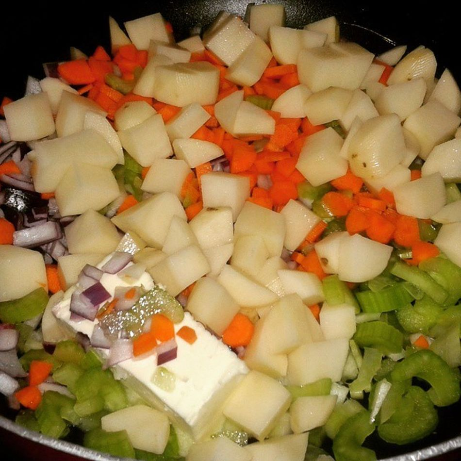 Foodprep Foodie Clamchowder Veggies Potatoes SouthernComfort Soup Food Photography Carrots