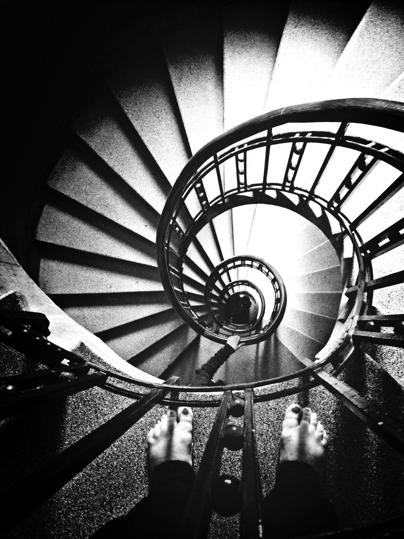 monter jusque chez moi n'est pas une sinecure ;) Blackandwhite Bnw Stairs