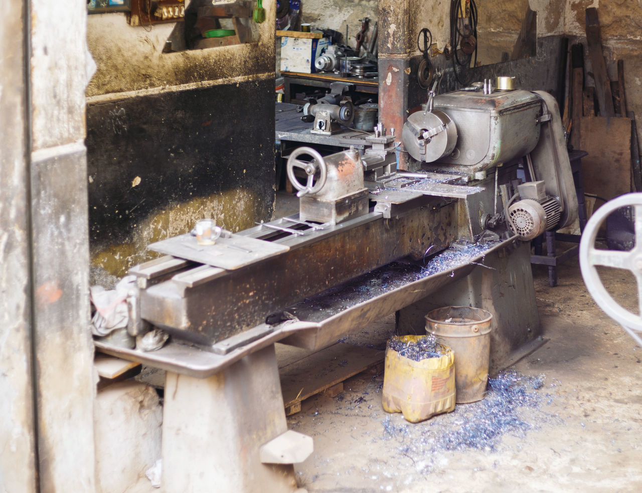 Cutting Indoors  Industrial Industrial Area Industry Inside Iron Manufacturing Metal Metal Industry Metallic Metalworking No People Old Power Production Small Stainless Steel  Turning Turning Machin Turning Machining Used Workshop